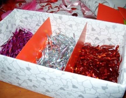 Чем заполнить коробку с подарком своими руками