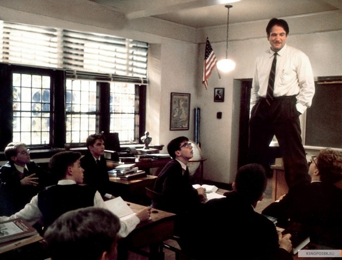 analysis of the movie dead poets society directed by peter weir and starring robin williams With tom schulman's script scrutinising educational conformity, the casting of robin williams as english teacher john keating is inspired keating's eccentric teaching methods, exhorting his students with cries of 'carpe diem', promote spontaneity and idealism but in the prestigious welton academy.