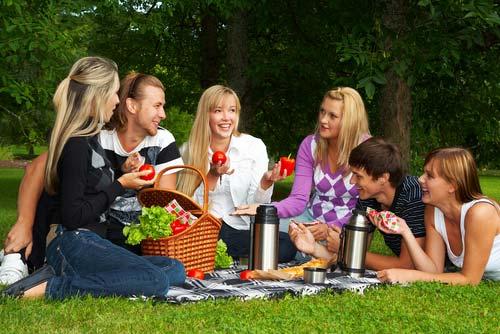 Как сделать место для встречи с друзьями