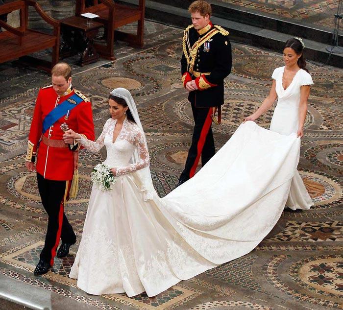 d86efb05160848c Свадебное платье 2016 – это особенная одежда. Существует много различных  поверий, что оно хранит счастье семейной жизни и оберегает от зла.