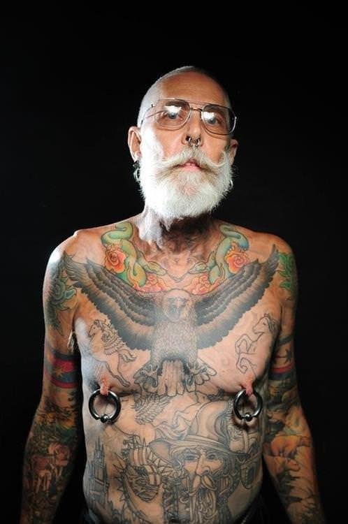 Фото людей с тату в старости