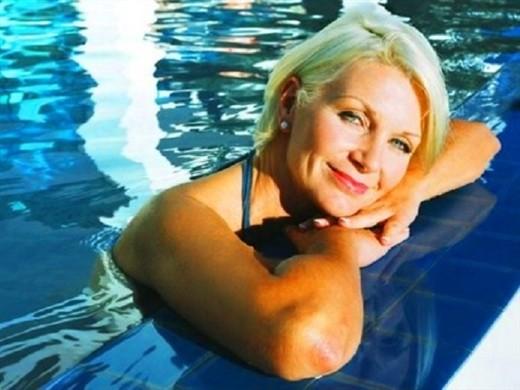 Макияж для женщины 50 лет пошагово, как правильно сделать макияж женщине за 50 чтобы выглядеть моложе. Правильный дневной и вечерний макияж для глаз, который молодит