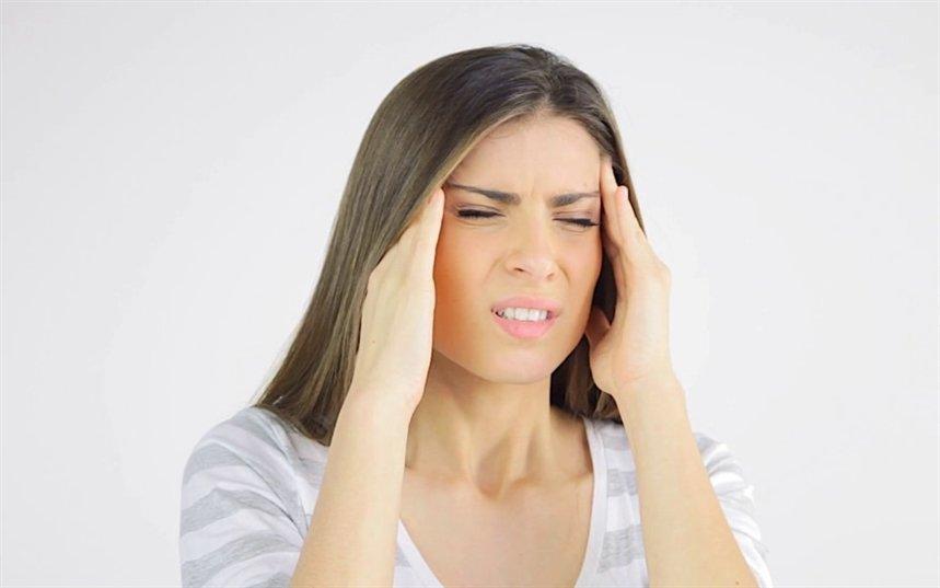 Болит кожа головы: что делать?