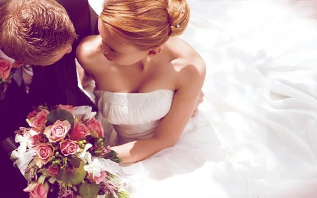 Какие цветы дарят на свадьбу молодым фото