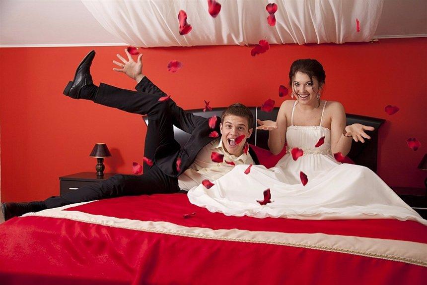 Самые красивые фотографии брачной ночи у одной русской пары