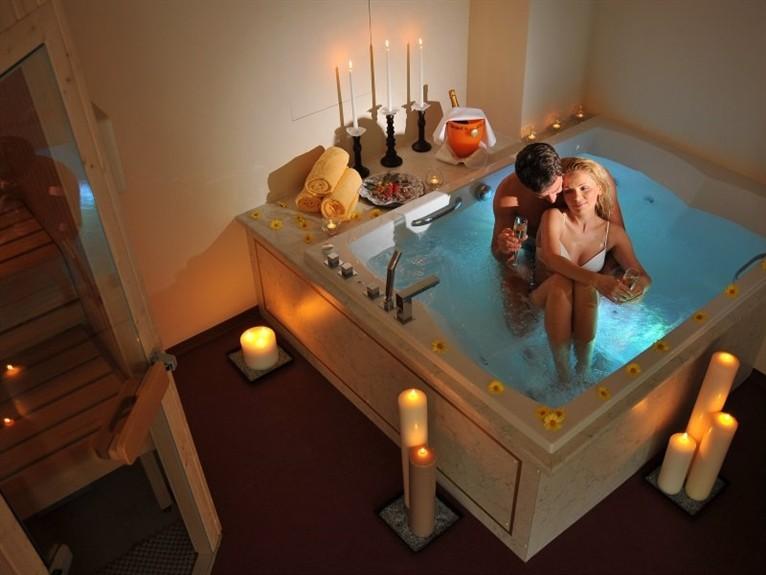Как устроить романтический вечер для девушки
