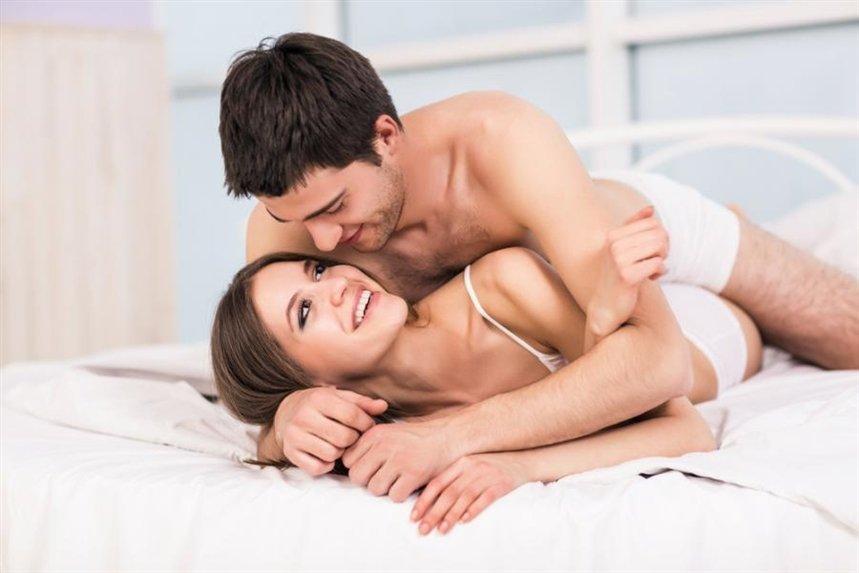 para_v_posteli