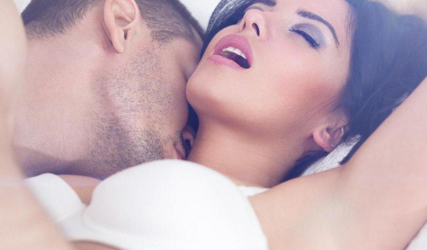 kak-snimayut-seks-vozbuzhdayushiy-orgazm-russkoe