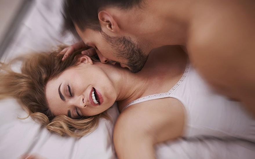 Девушка визжит от оргазма фото
