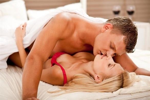 Фото половой акт между мужчиной и женщиной