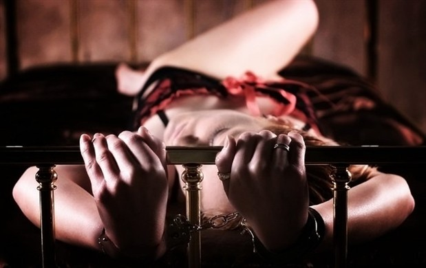 Мужской журнал секс в наручниках