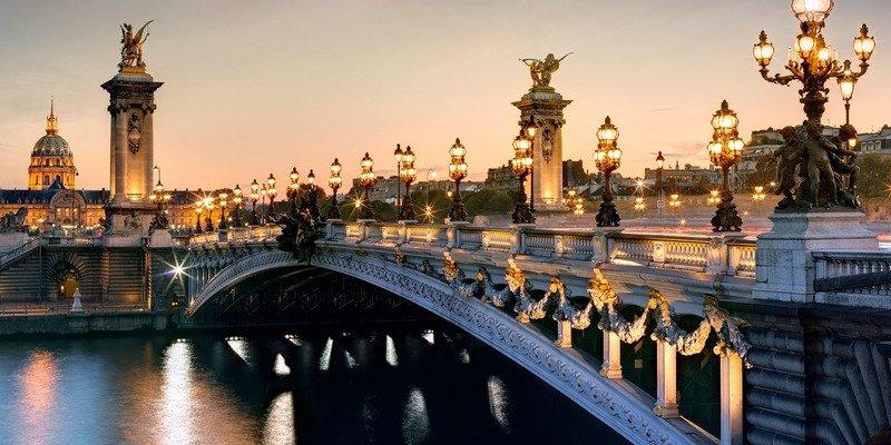 Париж вечером