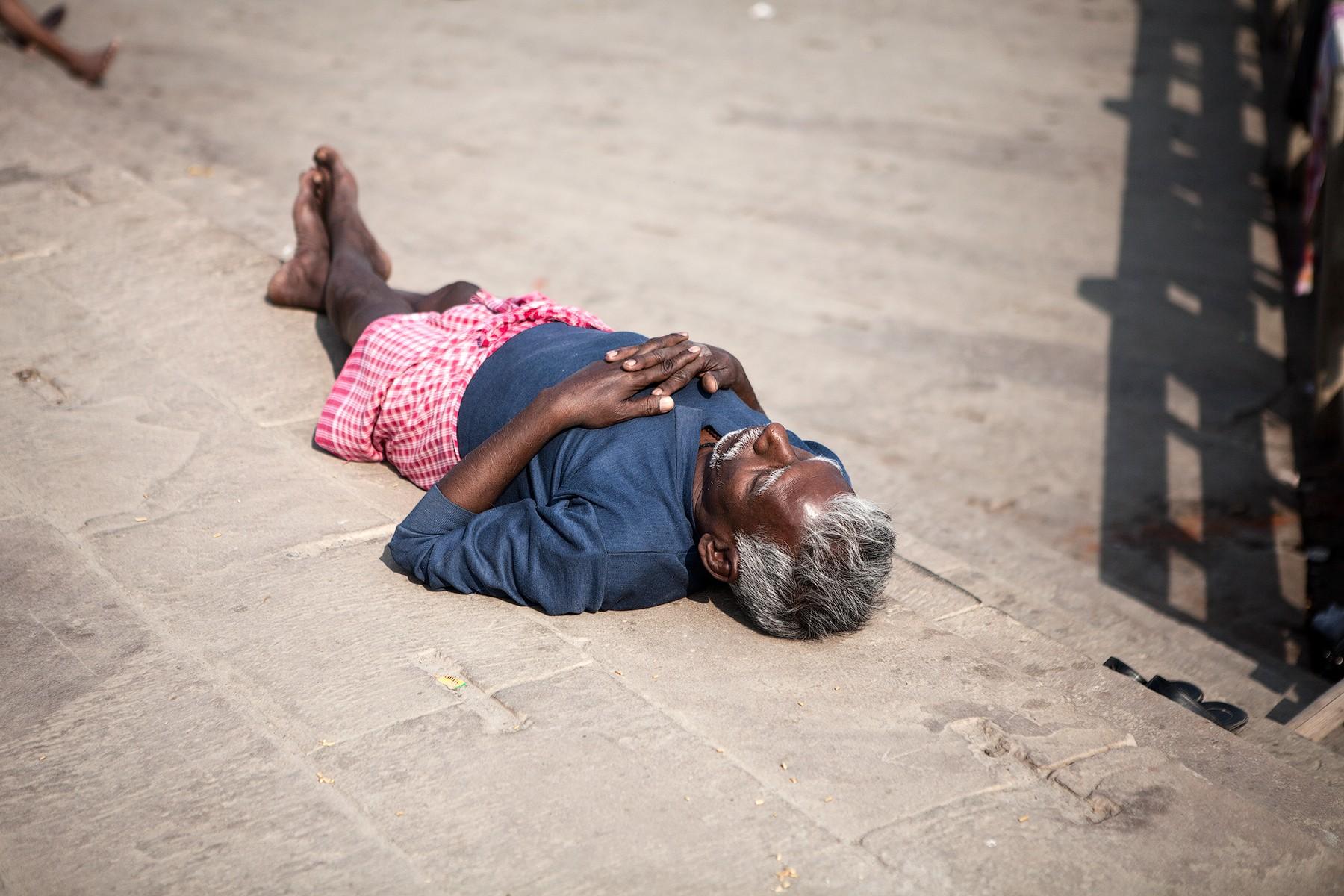 Тетка крепко спит 11 фотография