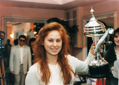 Картинки по запросу Юдит Полгар — самый юный шахматный гроссмейстер в мире. Она получила это звание в 15-летнем возрасте. Она выигрывала у Каспарова и Карпова. Это единственная женщина в мире, которая находиться в первой сотне шахматистов Ф�ФА